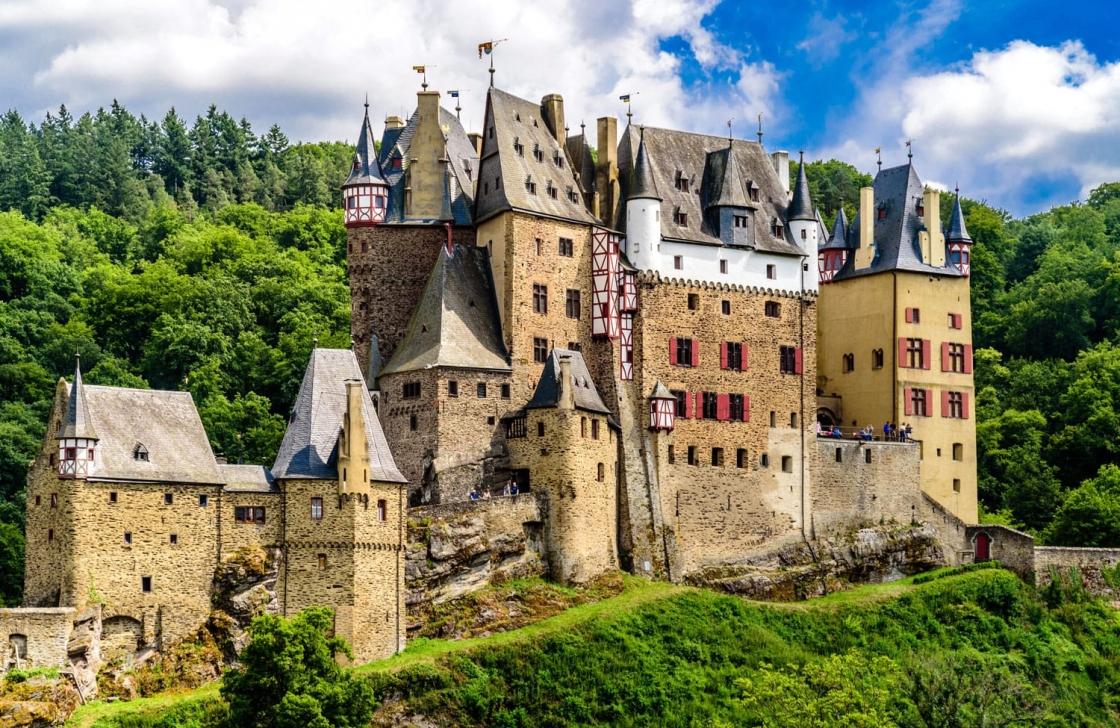 eltz-castle1